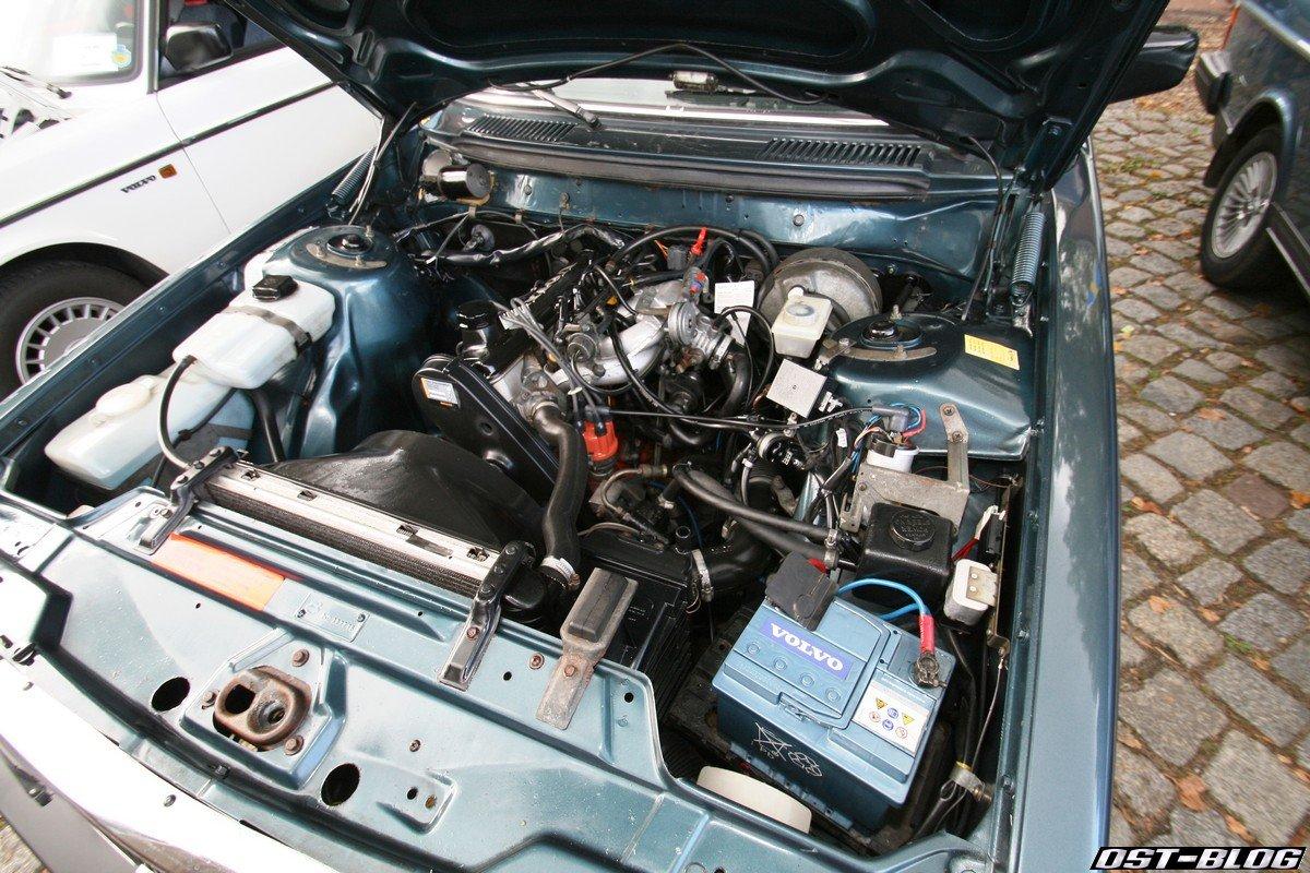 volvo-244-motorraum