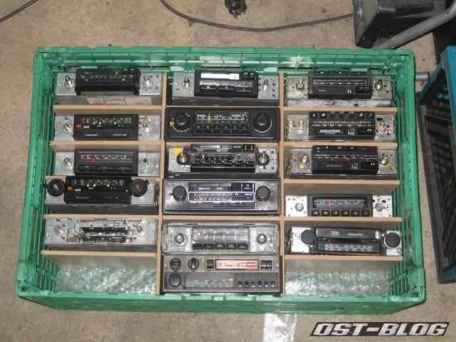 radios in kiste