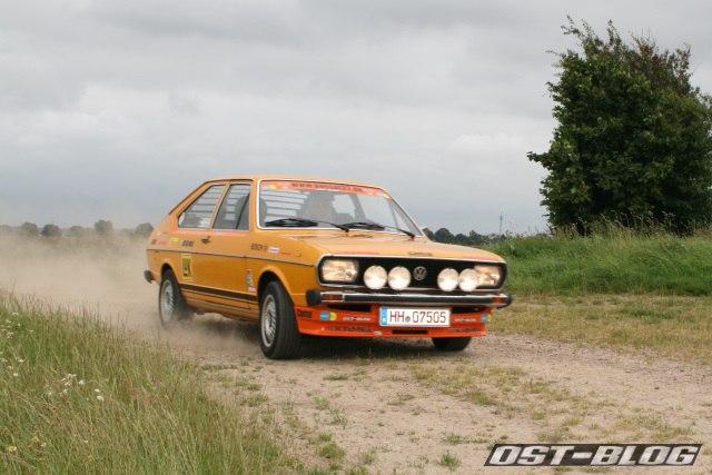 Passat 32 1976 rallye schotterpiste kurve