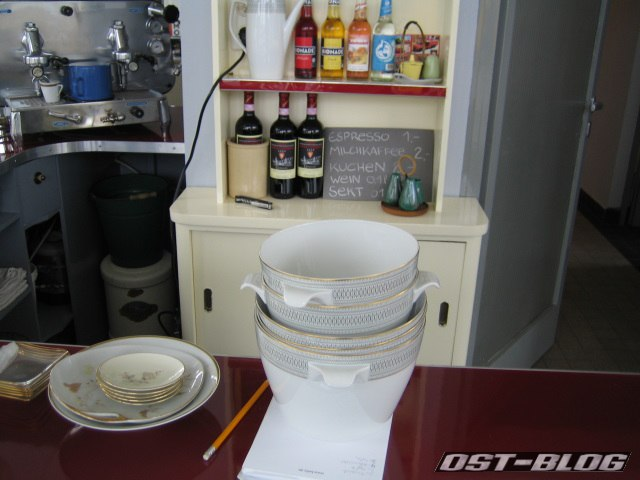 Oldtimer-Tankstelle Espressomaschine