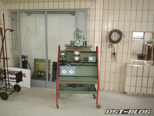 Oldtimer-Tankstelle Prüfwerkzeuge