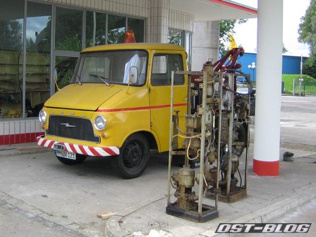 Oldtimer-Tankstelle Tanksäule