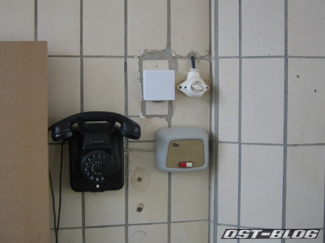 Oldtimer-Tankstelle Telefon