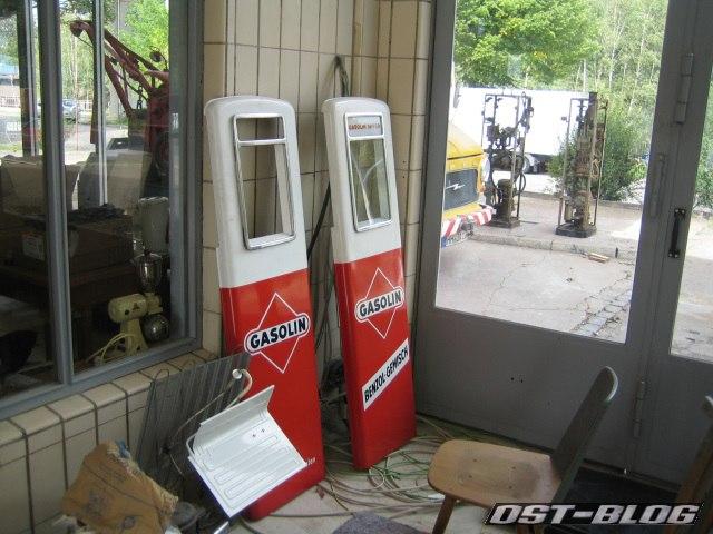 Oldtimer-Tankstelle Zapfsäulen