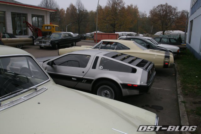 DeLorean Oldtimertankstelle