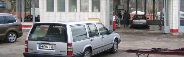 Volvo 940 oldtimertankstelle