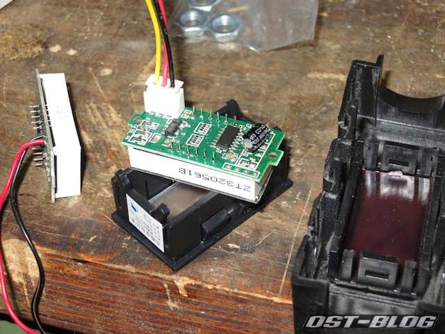 digital-voltmeter
