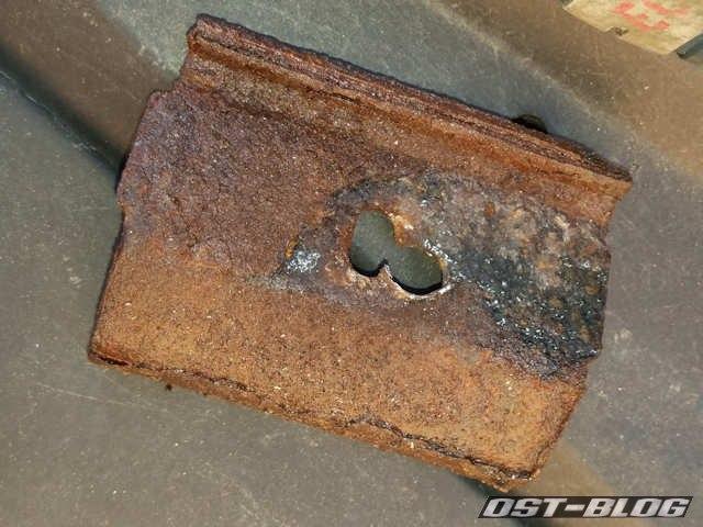 Halteblech-batterie-volvo-940