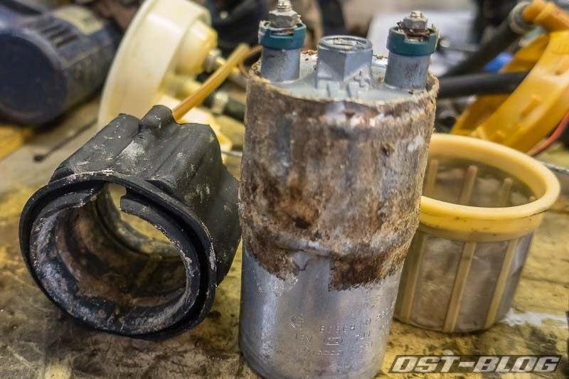 daempungsgummi-kraftstoffpumpe-passat-32b