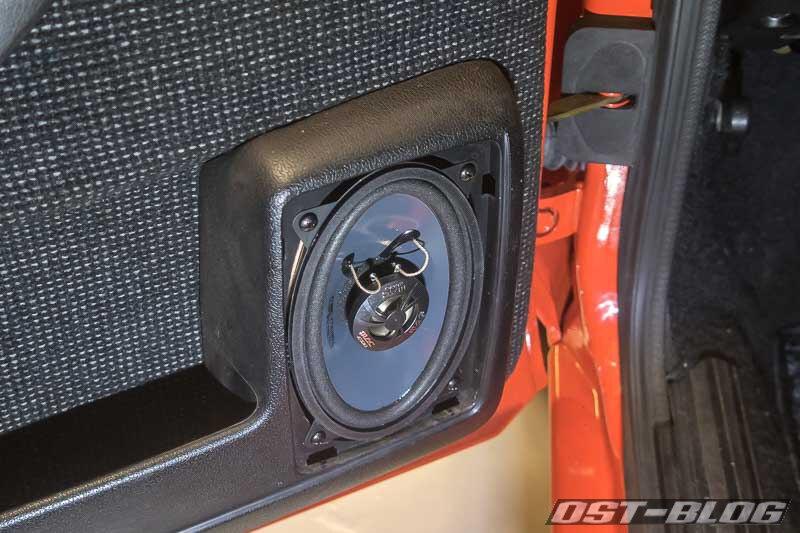 Lautsprecher-32b-Tuer